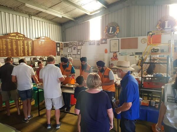 The Australian Sikh Support team serves free meals at Wangaratta, Australia (Photo courtesy: Australian Sikh Support facebook handle)