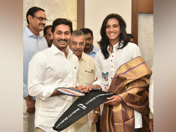 Andhra Pradesh CM Jagan Mohan Reddy meets badminton player PV Sindhu in Amaravati on Friday. [Photo/ANI]