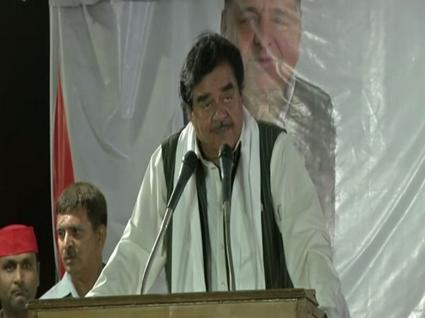 Congress leader Shatrughan Sinha campaigning for his wife Poonam Sinha in Lucknow on Wednesday. Photo/ANI