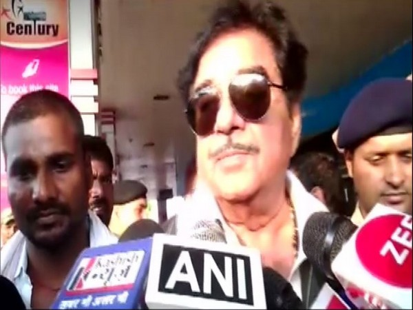 Congress leader Shatrughan Sinha speaking to media persons in Patna on Saturday. Photo/ANI