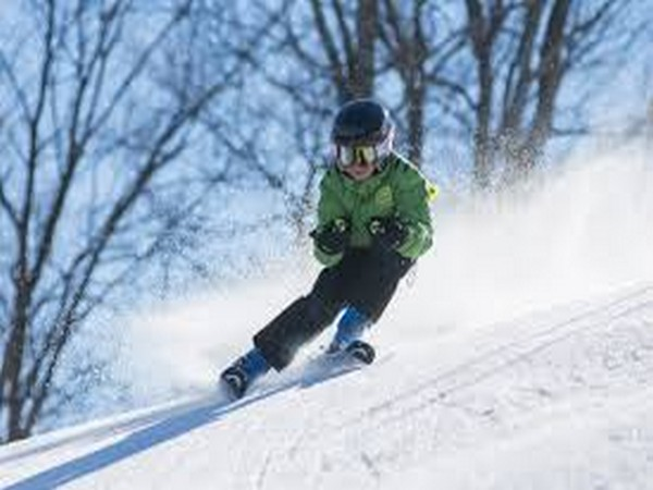 Researchers looked at a cross-sectional analysis of the 2009 and 2012 Kids' Inpatient Database, examining 845 hospital admissions for snow sports injuries in kids.