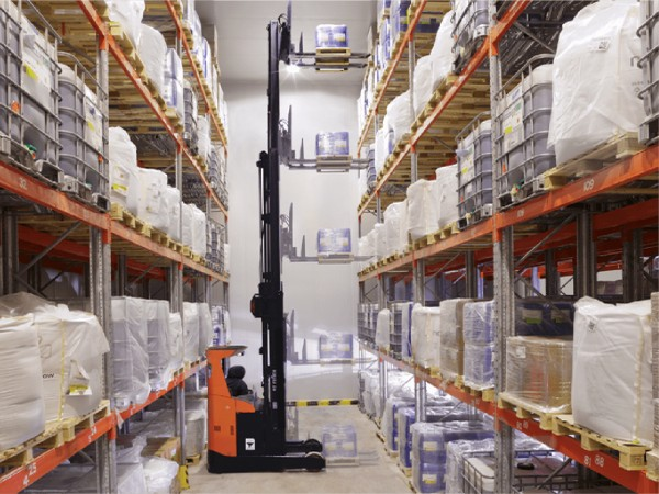 Snowman has 35 temperature-controlled warehousing facilities in 16 cities.