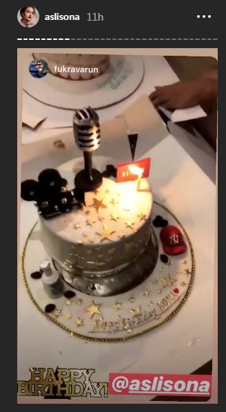 Terrific Rockstar Cake For Sonakshi Sinha On 32Nd Birthday Funny Birthday Cards Online Kookostrdamsfinfo