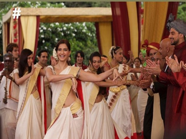 A still from the song 'Gal Mitthi Mitthi' shared by Sonam Kapoor (Image source: Instagram)