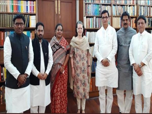 Congress leaders from Maharashtra meet Interim Congress President, Sonia Gandhi in Delhi.