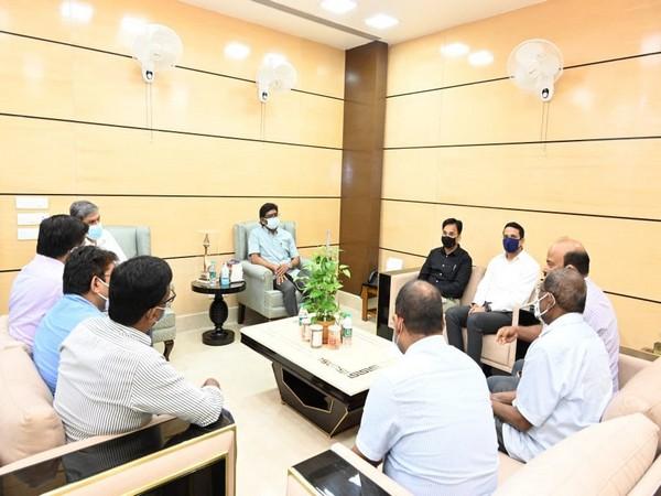 Jharkhand Chief Minister Hemant Soren met relatives of Additional District Judge Uttam Anand. (Photo/ANI)