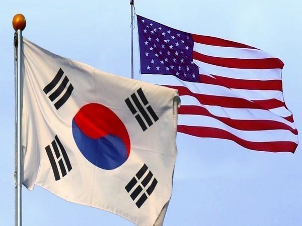 Flags of South Korea, USA (Representative image)