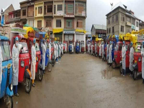 The fleet of cargo autos that have been authorised to do doorstep of essential goods. Photo/ANI