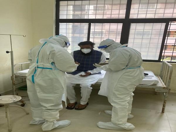 Karnataka Health Minister B Sriramulu at the hospital on Sunday.  (Photo/ANI)