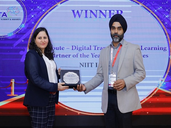 StackRoute recognized as 'Digital Transformation Learning Partner of the Year for Enterprises'