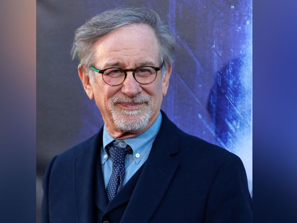 """Director Steven Spielberg poses during the premiere of """"Ready Player One"""""""