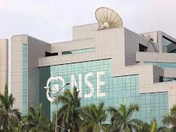 Gains in select heavyweights lift Sensex, Nifty