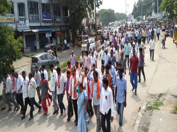 BJP leaders participate in the strike along with TSRTC employees in Kothagudem, Telangana on Monday. Photo/ANI