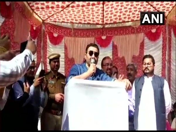 BJP MP Sunny Deol speaking at a rally in Gurdaspur. Photo/ANI