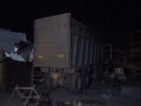 Visual of truck in Surat.