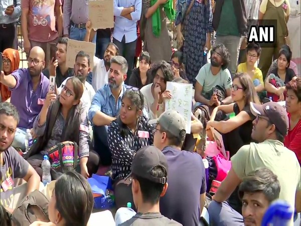 Sushant Singh takes part in protest at Gateway of India against JNU violence