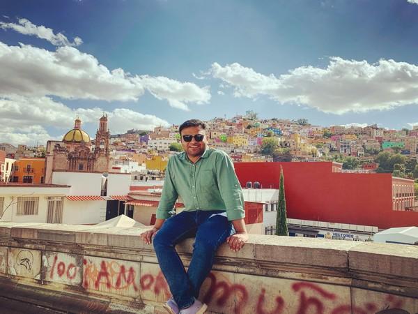 Waqar Azmi, the Founder of StartupKit Tools and DraftMyDocuments.com