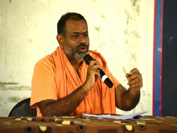 Swami Paripurnananda speaking to media on Wednesday. Photo/ANI