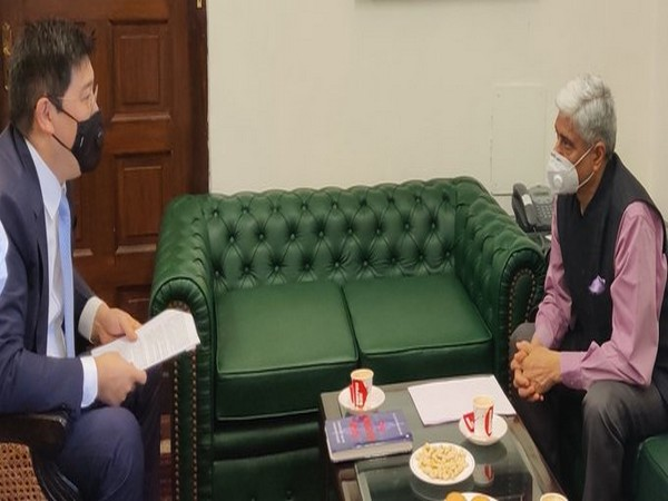 Vikas Swarup, Secretary(West) at MEA met Yerlan Alimbayev, Ambassador of Kazakhstan (Picture tweeted by Vikas Swarup)