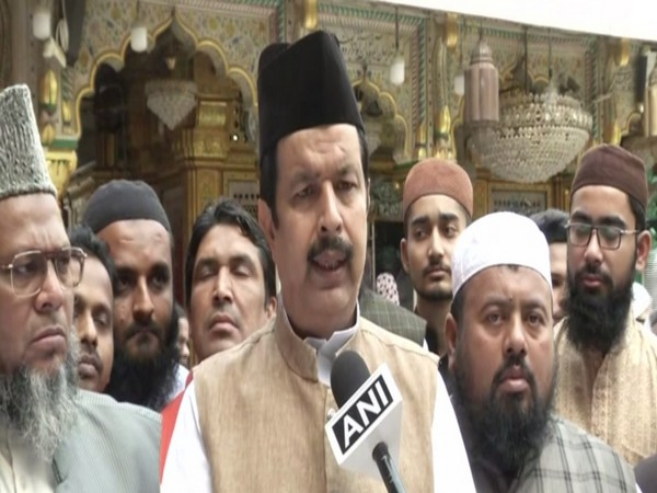Kashif Ali Nizami, who heads the Hazrat Nizamuddin Dargah, talking to ANI on Wednesday. Photo/ANI
