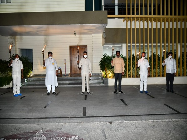 TDP chief Chandrababu Naidu, along with other leaders held protest at his residence in Amaravati on Sunday. Photo/ANI