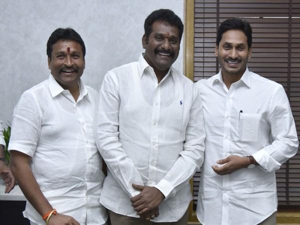 TDP MLA Maddali Giridhara Rao with Andhra Pradesh CM YS Jagan Mohan Reddy on Monday. Photo/ANI