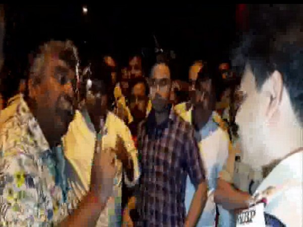 TMC MLA and Asansol Mayor Jitendra Tiwary threatening police officers in Durgapur on Monday. Photo/ANI