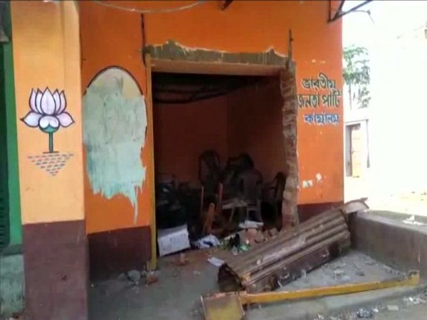 TMC workers allegedly attacked BJP leaders and attacked offices in West Bengal on Monday. Photo/ANI