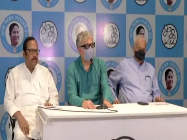 TMC leaders Yashwant Sinha (left) and Derek O'Brien (middle) addressing press conference in Kolkata on Thursday.