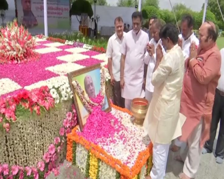 Political leaders remembered former Prime Minister PV Narasimha Rao on Friday in Hyderabad. Photo/ANI