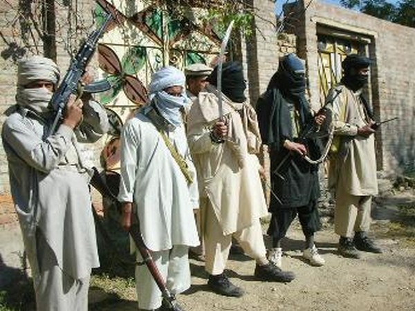 US calls on Pak to arrest or expel Taliban from...
