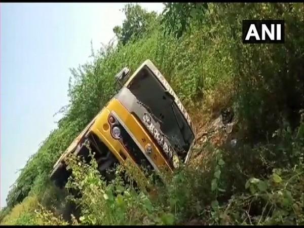 Twenty students were injured in a bus accident in Madurai (Tamil Nadu) on Monday. Photo/ANI
