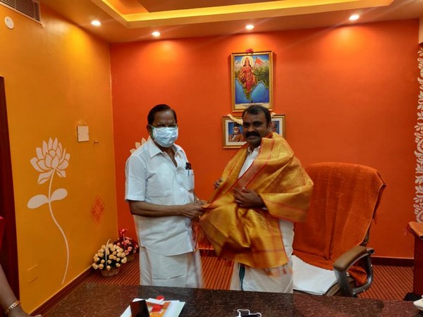 Former DMK leader VP Duraisamy meets Tamil Nadu BJP president L Murugan after being appointed as party Vice-President on Friday. Photo/ANI