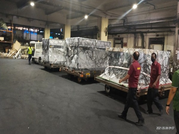 Third consignment of 25000 doses of Remdesivir from Gilead sciences reaches India on Saturday (Twitter/Taranjit Singh Sandhu)