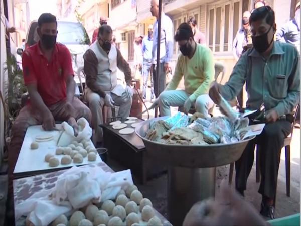 Tarun Chugh starts 'Roti bank' in Amritsar