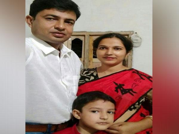 Bandhu Prakash Pal, Beaurty Pal and son Angan Bandhu Pal [Photo/ANI]