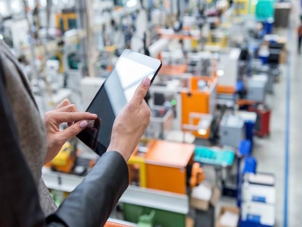 Tech-enabled smart warehouse