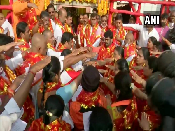 BJP corporators taking oath at Bhagyalakshmi Temple in Hyderabad (Photo/ANI)