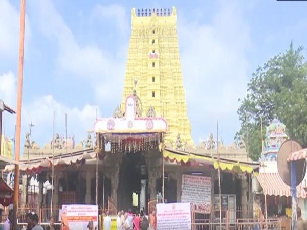 A view of Rameswaram Ramanathaswami temple.