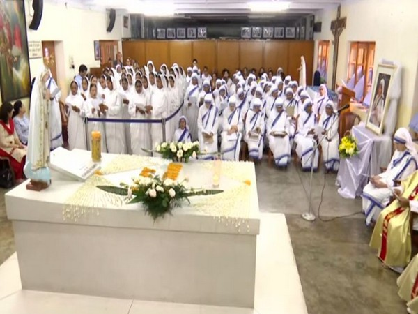 Peace prayers being offered at the Missionaries of Charity in Kolkata on Monday. Photo/ANI