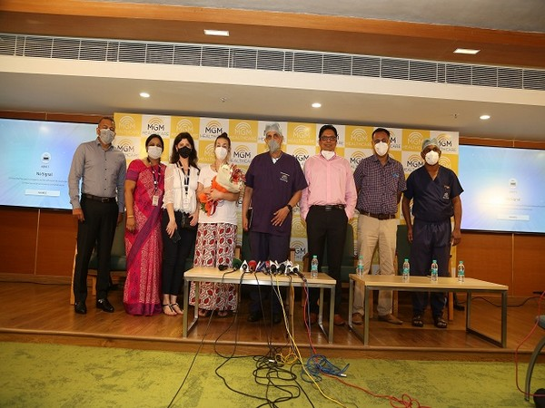 The Heart and Lung Transplant team of Doctors at MGM Healthcare with the patient's family