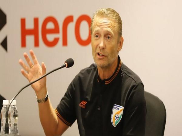 India U-17 Women's coach Thomas Dennerby