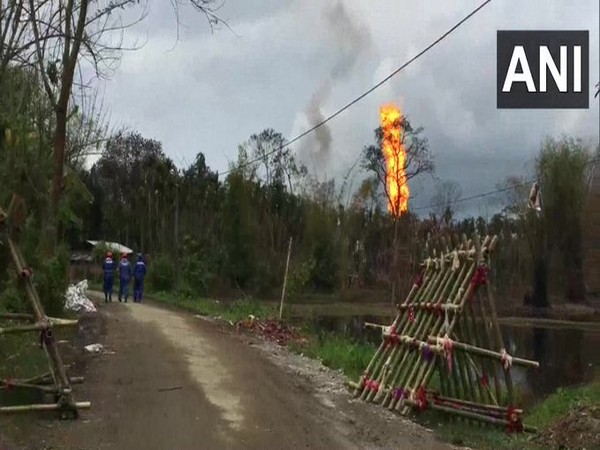 Fire raged at gas well in Assam's Tinsukia [Photo/ANI]