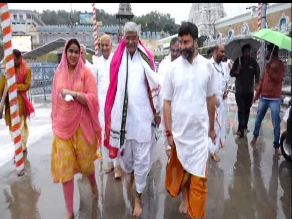 Union Minister Gajendra Singh Shekhawat visited Tirumala temple along with his family on Saturday morning. Photo/ANI