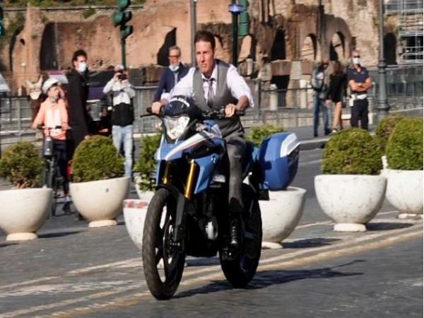 Tom Cruise filming 'Mission Impossible 7'