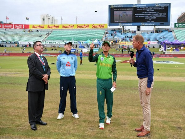 Both the captains in the middle for the toss. (Photo/ICC Twitter)