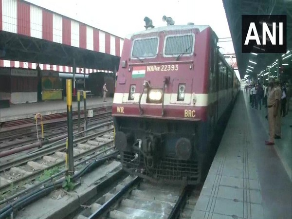 A 'Shramik special train' arrives at Charbagh railway station on Sunday. Photo/ANI