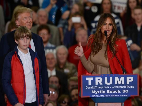 US President Donald Trump, wife Melania and son Barron (File pic)