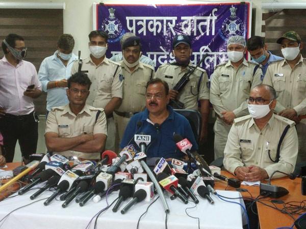 Ujjain SP Manoj Kumar Singh addressing a press conference on Thursday. (Photo/ANI)