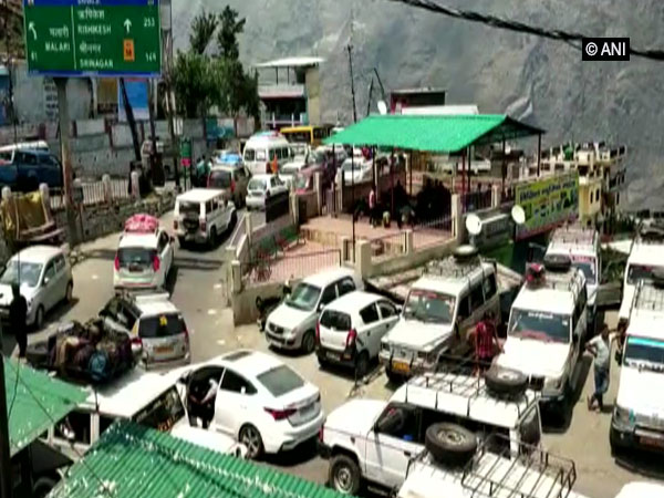 Traffic Jam in Chamoli-Badrinath Highway